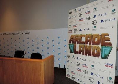 Photocall presentación videojuego Arcade Land Play Station