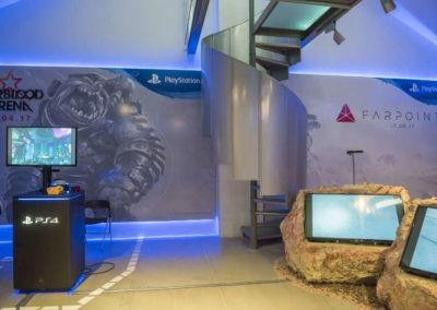 Diseño decoración presentación de los videojuesgos Starblood Arena y Farpoint Rojo Pistacho 3