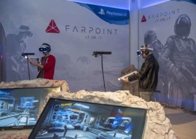 Diseño decoración presentación de los videojuesgos Starblood Arena y Farpoint Rojo Pistacho 4