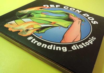 Diseño disco Def Con Dos Trending Distopic Rojo Pistacho 1
